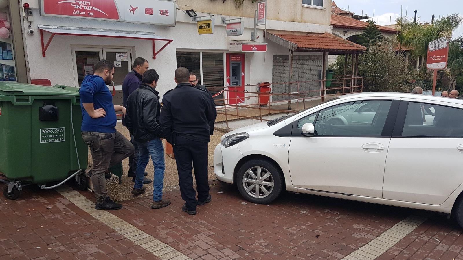 رجلٌ شجاع يتصدى للصّين حاولا سرقة فرع البريد في طمرة