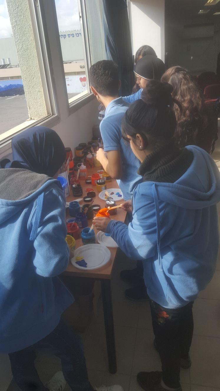 """ثانويّة """"عتيد المجد الشّاملة"""" في الطّيبة تنظم يوم الفنون والتّفكير الإبداعي بعنوان """"الهويّة"""""""
