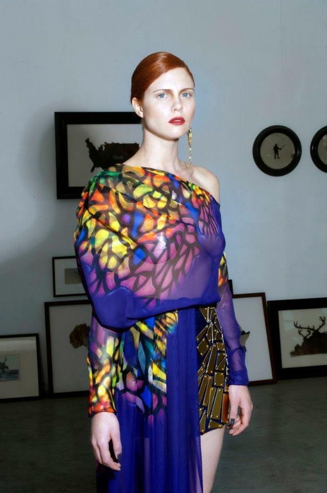 مصمّم الأزياء الموهوب كريس عيسى: حيفا تستحقّ كلّ هذا الفنّ والإبداع والجمال