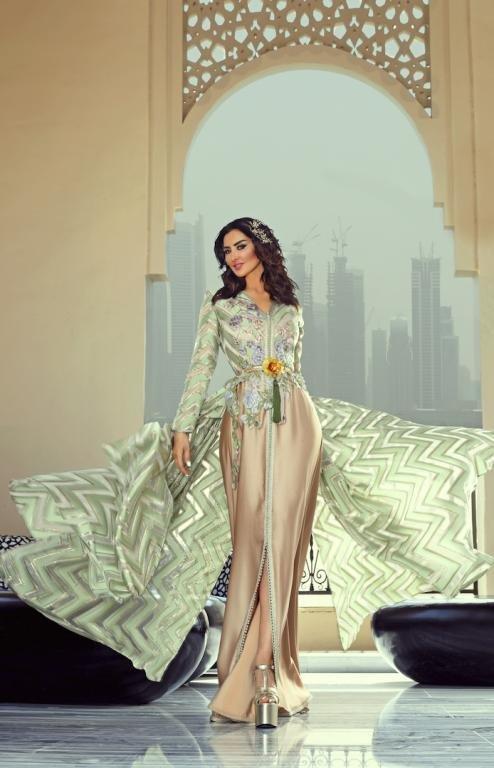 الفنانة ميساء المغربي تعرض عبايات العيد من سلمى بن عمر