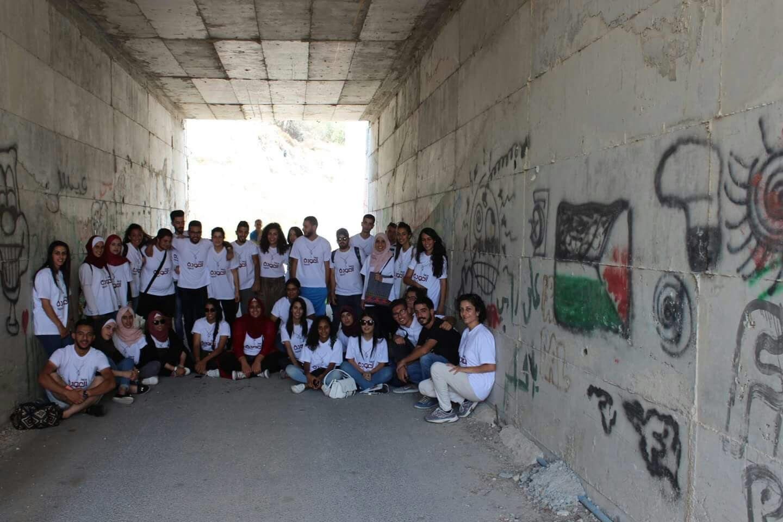 شبيبة العودة في جمعية الدفاع عن حقوق المهجرين تشارك في مدرسة العودة
