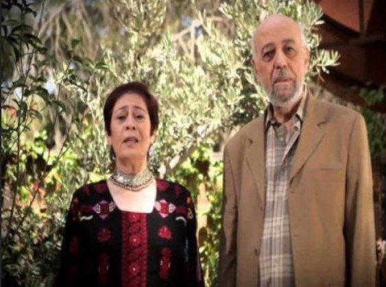 فنان عربي: سأبيع العلكة أنا وزوجتي على الاشارات الضوئية!
