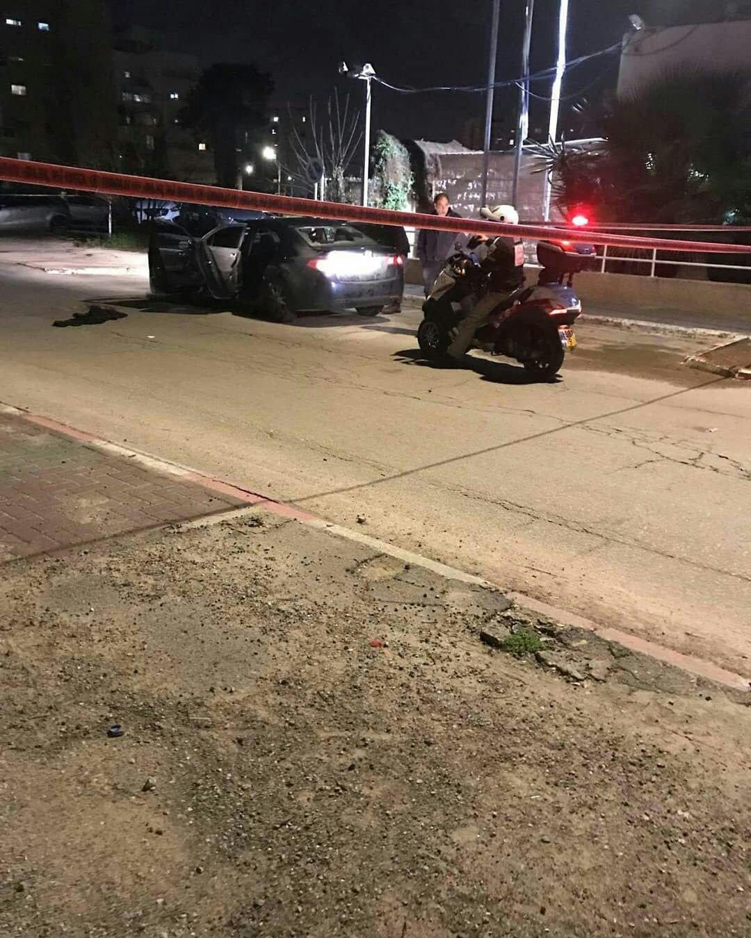 اللد: مصرع شخص رميًا بالرصاص واصابة آخر