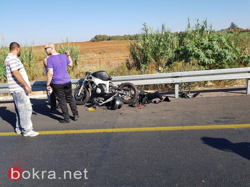 مصرع محمد سوريكي ( ٢٠ عاماً )  من الطيرة في حادث اصطدام دراجة نارية بجرافة