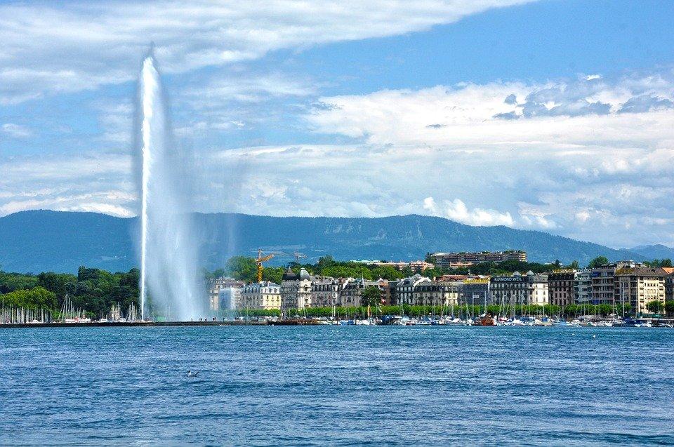جنيف .. عاصمة الساعات والأثرياء والسلام