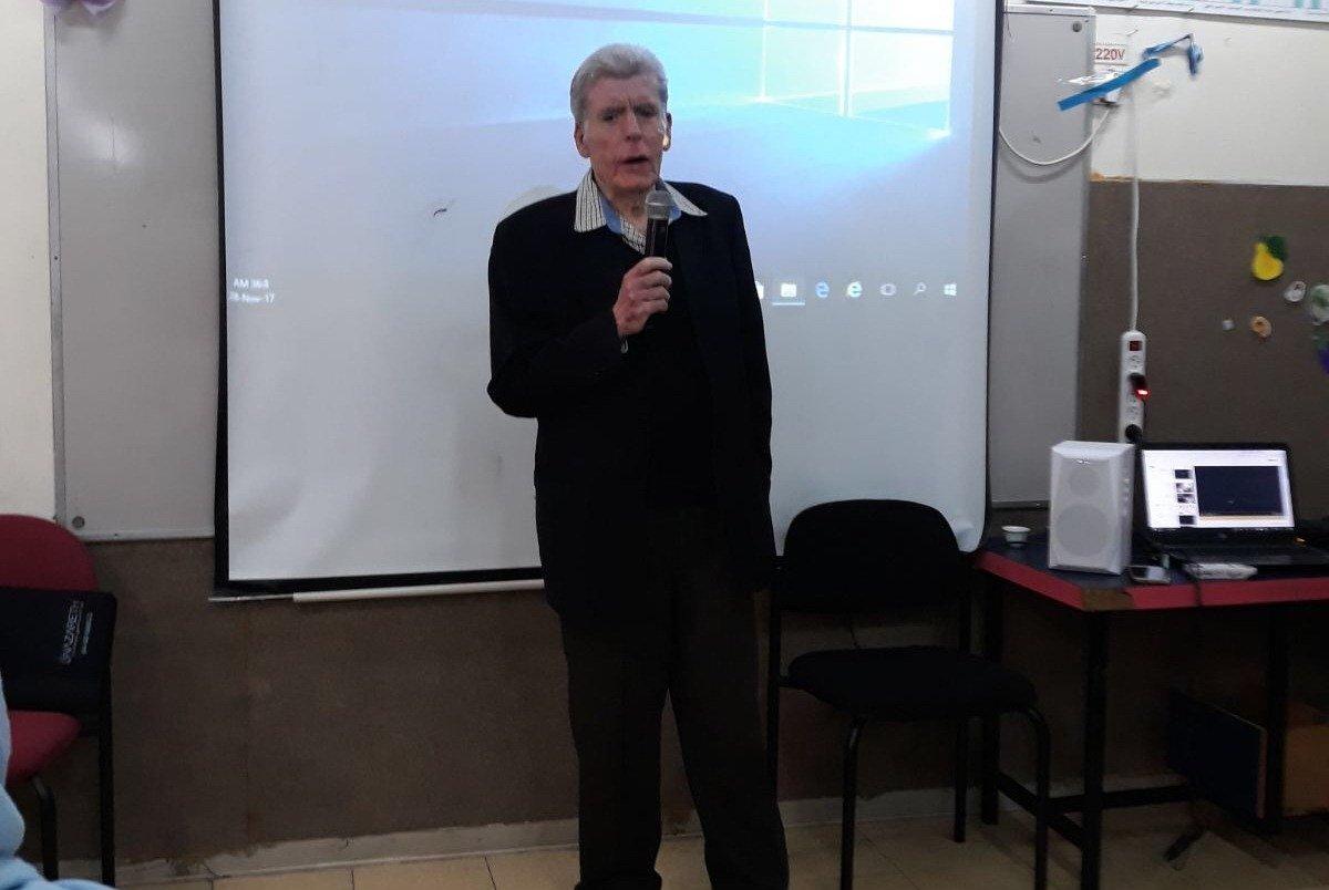 المدرسة الجماهيرية بئر الامير في الناصرة تحتفل بمئوية فدوى طوقان وتستضيف الكاتب والشاعر مفلح طبعوني