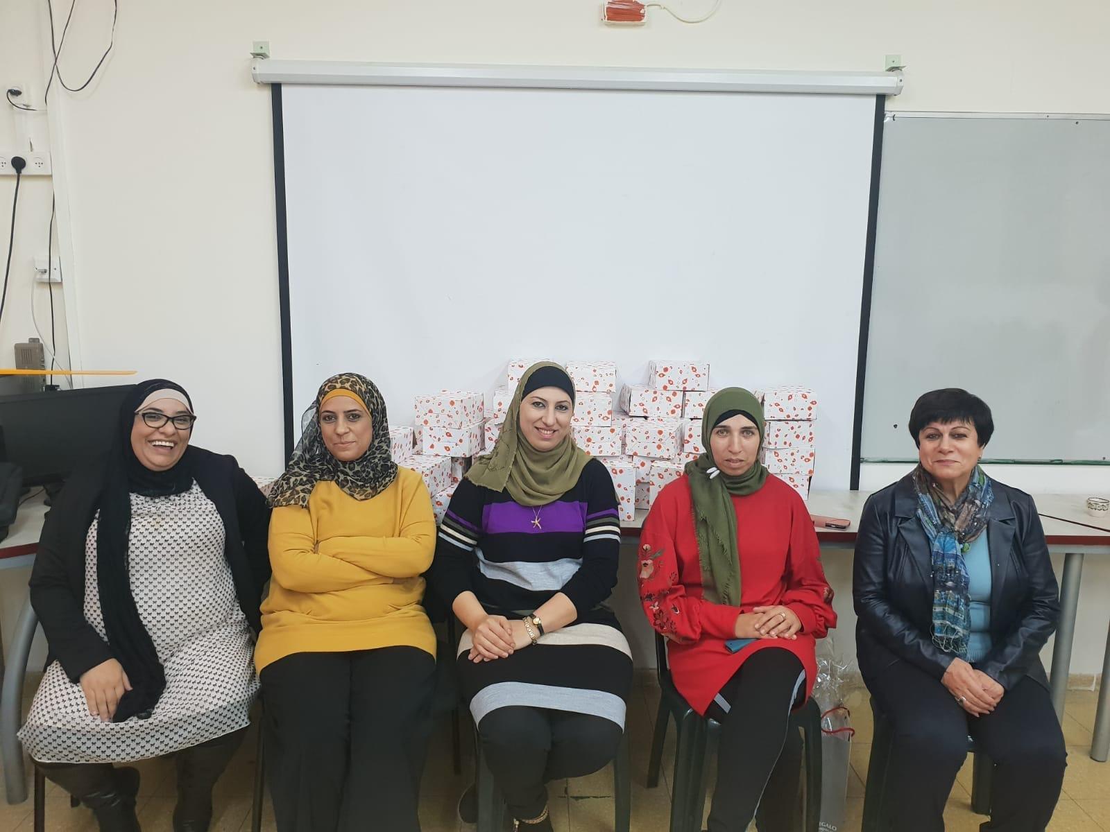 لجنة اولياء امور الطلاب في المدرسة الجماهيرية بير الامير -الناصرة تكرّم المعلم بمناسبة يوم المعلم