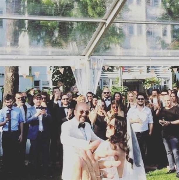 من هو النجم الذي جمع كل المشاهير الأتراك في حفل زفافه؟