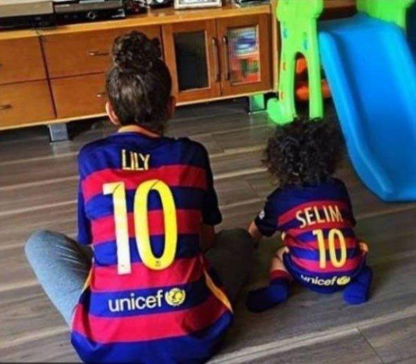 أحمد حلمي ينشر أول صورة مع ابنه «سليم».. ويتذكر والده بكلمات مؤثرة