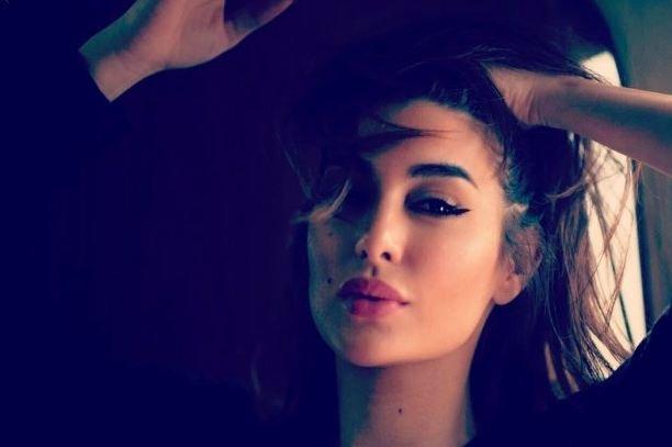 صورة.. ياسمين صبري تحرج أحد محبيها!