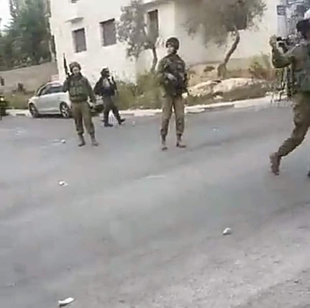 رام الله: اصابات واعتقال شاب وفتاة باقتحام حي بطن الهوى