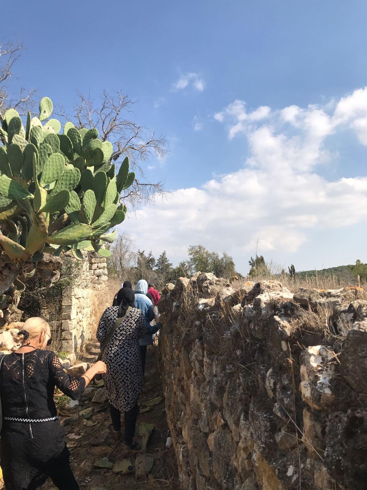 جولة لمشاركات مشروع  نساء على درب العودة  في اقرث وبرعم