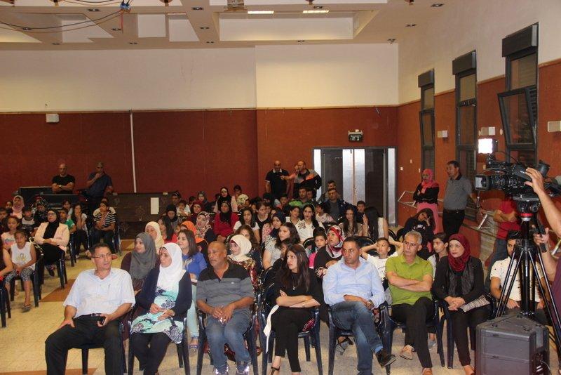 مدرسة ابن رشد مع التألق والإبداع توأمان أعطني مسرحاً أعطيك ثورة