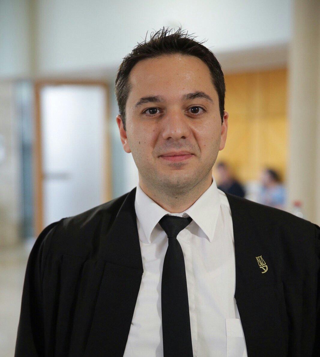 المحكمة تمنح خريجيين من بين كليات الطب في أرمينيا من التقدم لامتحان الدولة لترخيص الأطباء