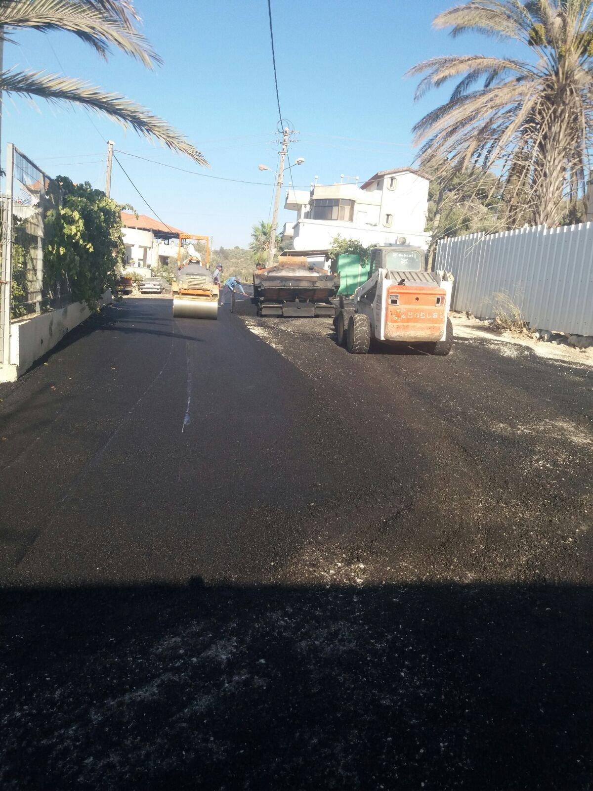 أعمال تعبيد شوارع بالدحي وتنظيف وصيانة بكل قرى بستان المرج قبيل العيد