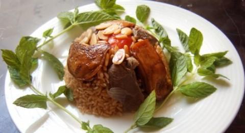 مقلوبة الباذنجان باللحم من مطبخ