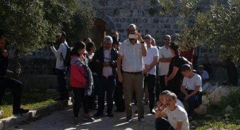 مستوطنون يقتحمون الاقصى واغلاق شوارع في القدس