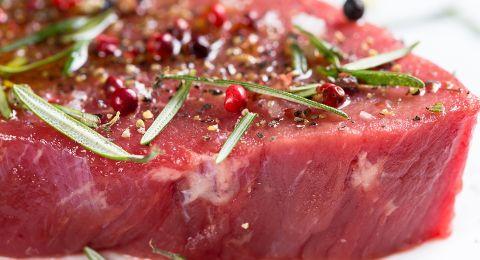 اللحوم الحمراء تخفي خطراً قاتلاً.. احذروا من تناولها!