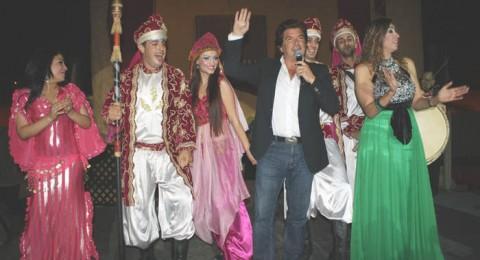 وليد توفيق في حفل دبي بين قصص التاريخ والرقصات الفنية