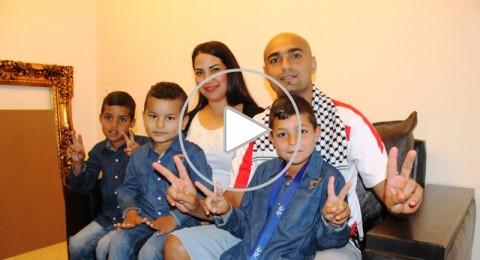 ابو صالح: لبسنا قميص بـ25 شيكل، لكن رسمنا البسمة على وجوه الفلسطينيين