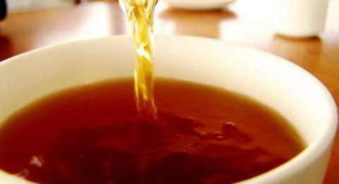 الشاي الأسود يساعد النساء على مكافحة السرطان