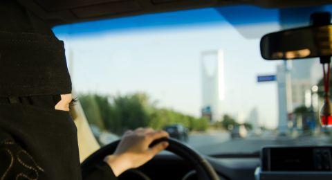 أول عملية حراق لسيارة امرأة سعودية والقبض على الجناة