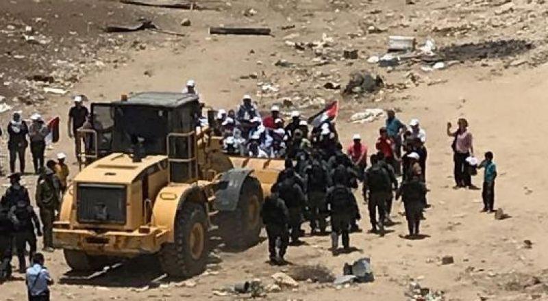 الاتحاد الأوروبي يدعو إسرائيل للعدول عن عمليات الهدم في منطقة خان الأحمر
