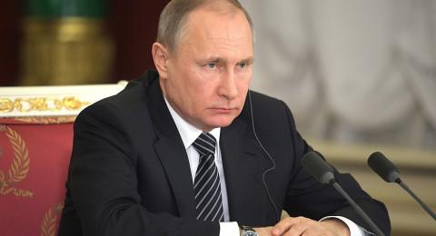 الملك سلمان يصل روسيا في مستهل زيارة رسمية تاريخية