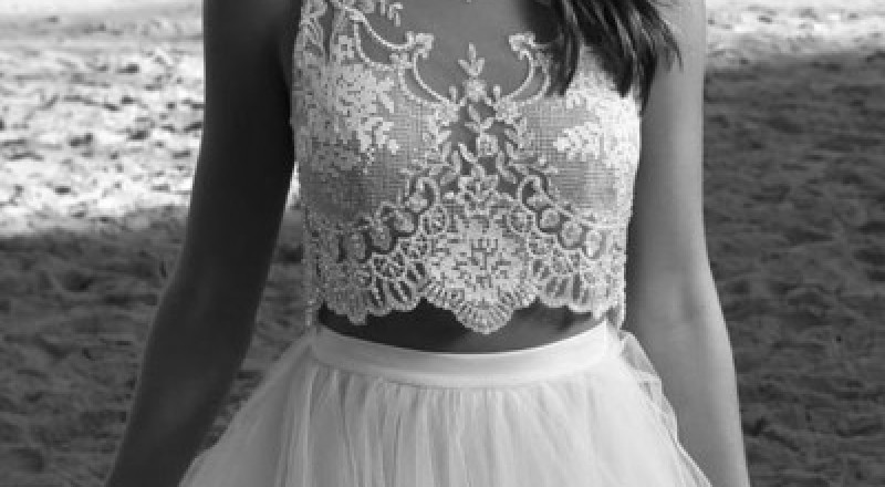 كوني مميزة يوم زفافك.. بفساتين زفاف من قطعتين