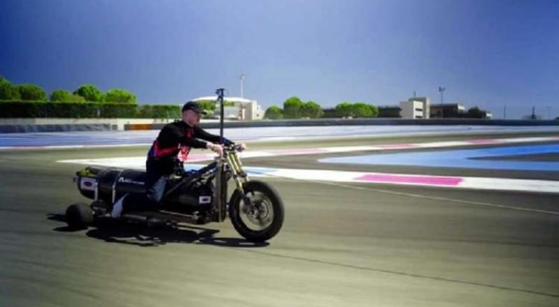 أسرع مركبة ثلاثية العجلات في العالم! .. تسير بضغط الماء