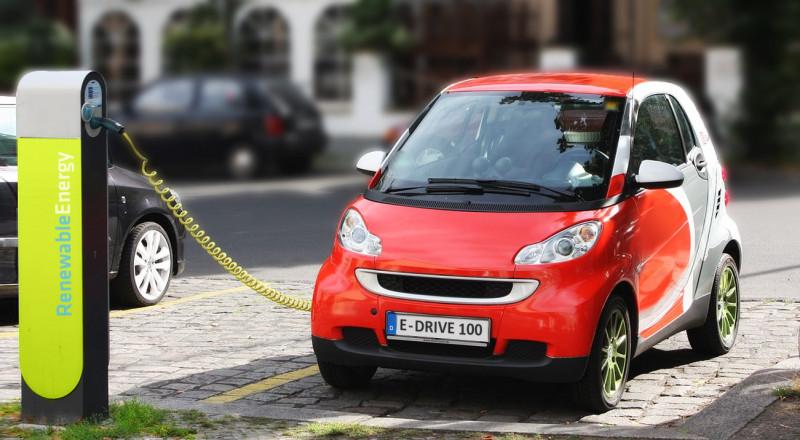 دراسة: السيارات الكهربائية ليست الحل