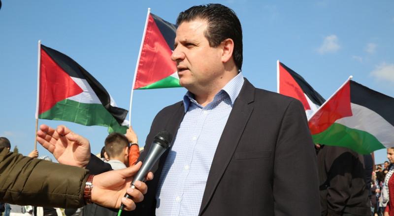 عودة يهنئ عباس وهنية بالمصالحة