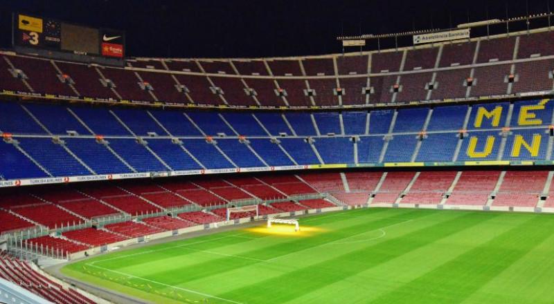 برشلونة يهدد باللعب دون جماهير