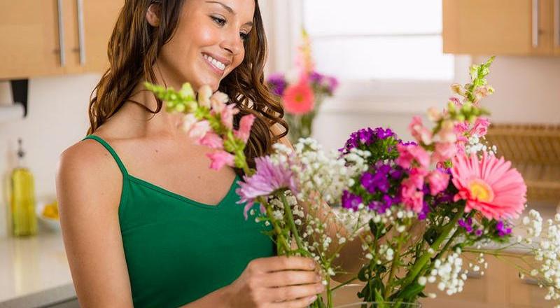 طريقتان لاستعمال الأزهار في تدبير المنزل