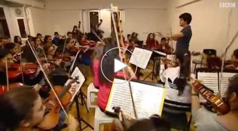 تركيا: معهد خيري يعلم الموسيقى لأطفال الأسر الفقيرة