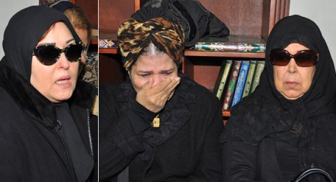 فنانات مصر يرتدين الحجاب في جنازة زيزي البدراوي