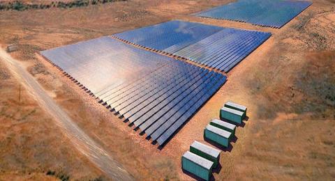 أستراليا.. بناء أكبر مزرعة للطاقة الشمسية في العالم