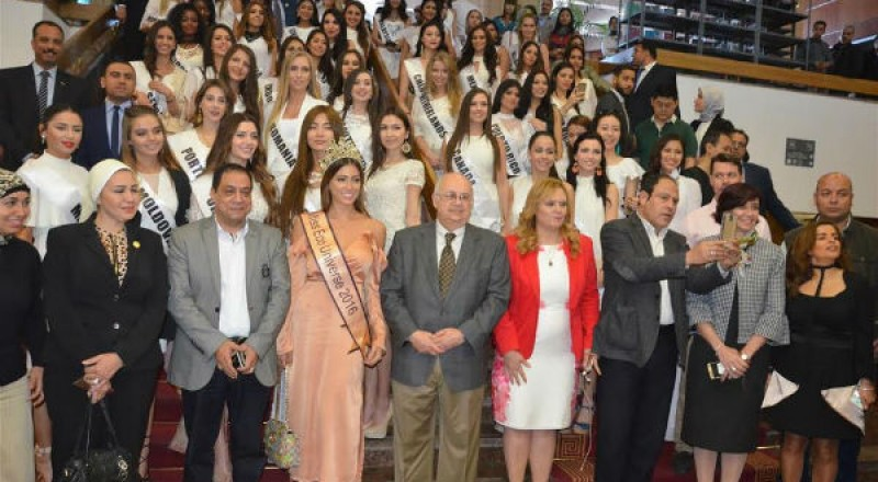 90 ملكة جمال من انحاء العالم في مصر لتنشيط السياحة