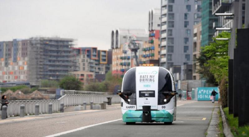 اختبار أول حافلة ذاتية القيادة في شوارع لندن
