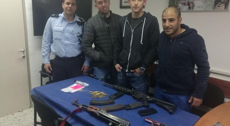 مخدرات وأسلحة وعشرات المتعقلين في بلدات مختلفة بالنقب
