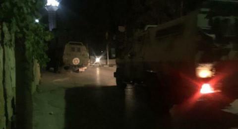 قوات الاحتلال تعتقل 27 مواطنا وتصيب آخرين بالرصاص في الضفة