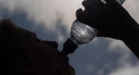 المياه المعدنية مصدر كالسيوم خالٍ من السعرات الحرارية