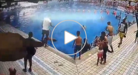 احذروا غرق الأطفال .. فيديو لفتى من عكا ينقذ طفلًا من الغرق في بركة
