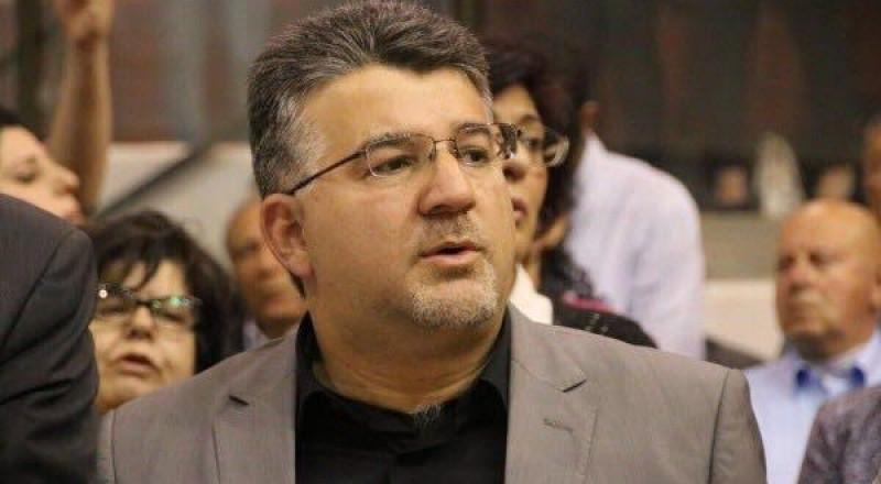 النائب يوسف جبارين يفتح ملف آلاف الكتب الفلسطينية التي بحوزة