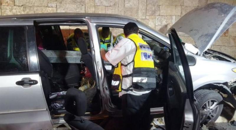 مصرع شاب واصابة 3 اخرين منها البالغة بحادث طرق مروع في القدس