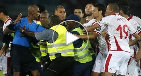 اعتداء الشرطة التونسية على لاعبي المنتخب المغربي
