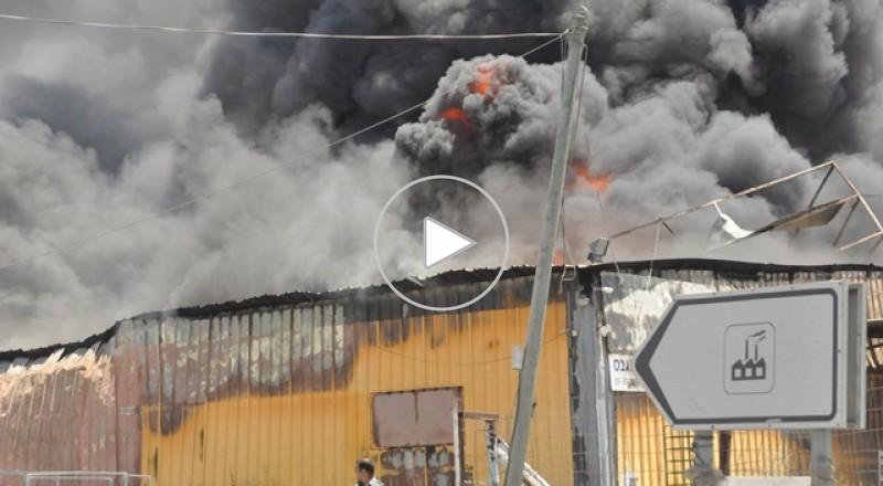 قلنسوة: اندلاع حريق في مصنع للطلاء وشبهات لتسرب مواد خطرة
