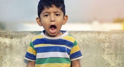 الإنفعالات السلبية عند الطفل وطريقة ضبطها!