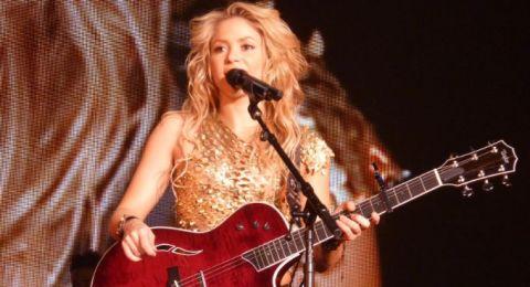 بعد شاكيرا.. مغنية شهيرة تلغي حفلها في إسرائيل