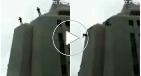 لحظة سقوط جندي إسرائيلي أثناء تنفيذ عملية إنزال فاشلة